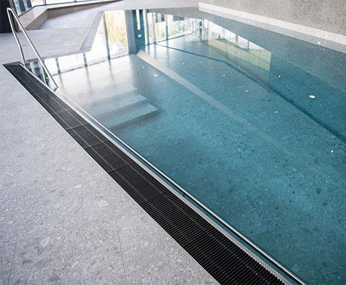 Neubau Schwimmbad